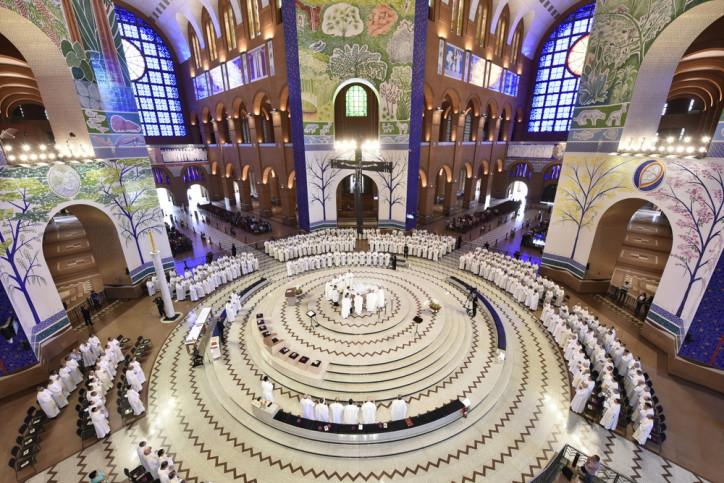 Dom Sérgio da Rocha celebra santa missa e abre Assembleia Geral da CNBB no Santuário Nacional de Aparecida